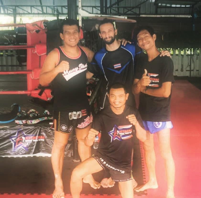 Thaiboxer Emrah Sanli mit Namsaknoi